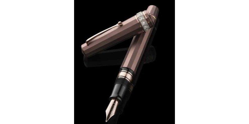 Omas Arte Italiana Titanio 2012 - Stilografica con diamanti